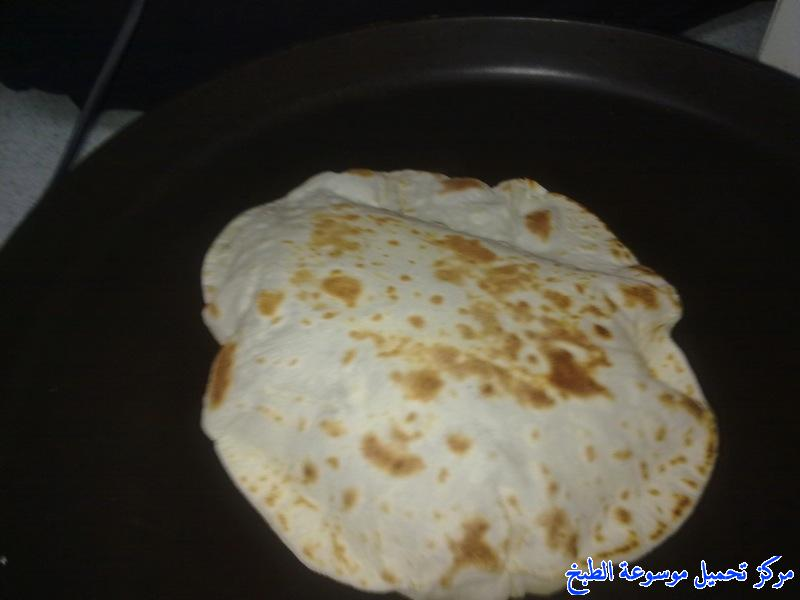 http://www.encyclopediacooking.com/upload_recipes_online/uploads/images_mexican-tortilla-recipe-chicken-%D8%B7%D8%B1%D9%8A%D9%82%D8%A9-%D8%B9%D9%85%D9%84-%D8%AE%D8%A8%D8%B2-%D8%A7%D9%84%D8%AA%D9%88%D8%B1%D8%AA%D9%8A%D9%84%D8%A7-%D8%A8%D8%A7%D9%84%D8%B5%D9%88%D8%B15.jpg