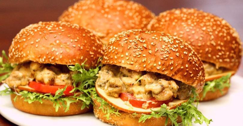 middle eastern homemade sandwich food recipes arabic طريقة عمل ساندوتش همبرجر دجاج بالصور