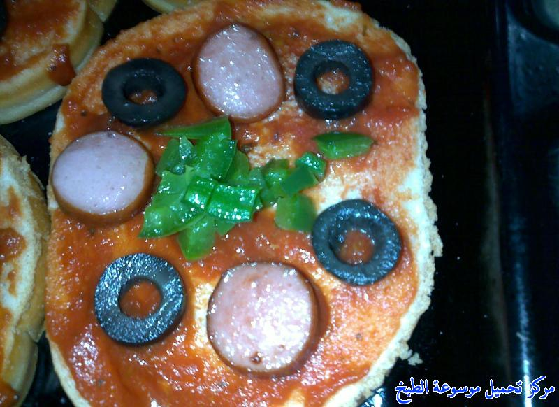 http://www.encyclopediacooking.com/upload_recipes_online/uploads/images_pizza-toast-recipe-oven-%D8%A8%D9%8A%D8%AA%D8%B2%D8%A7-%D8%A7%D9%84%D8%AA%D9%88%D8%B3%D8%AA-%D8%A7%D9%84%D8%B3%D8%B1%D9%8A%D8%B9%D9%87-%D8%A8%D8%A7%D9%84%D8%B5%D9%88%D8%B17.jpg