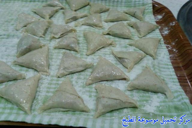 http://www.encyclopediacooking.com/upload_recipes_online/uploads/images_samosa-recipe%D8%B3%D9%85%D8%A8%D9%88%D8%B3%D8%A9-%D8%A8%D8%B9%D8%AC%D9%8A%D9%86-%D8%B1%D9%82%D8%A7%D9%82-%D8%B5%D9%86%D8%A7%D8%B9%D8%A9-%D9%85%D9%86%D8%B2%D9%84%D9%8A%D8%A9-16.jpg