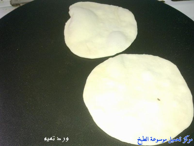 http://www.encyclopediacooking.com/upload_recipes_online/uploads/images_shawarma-chicken-sandwich-%D8%B4%D8%A7%D9%88%D8%B1%D9%85%D8%A7-%D8%A7%D9%84%D8%AF%D8%AC%D8%A7%D8%AC-%D8%A8%D8%A7%D9%84%D8%A8%D9%8A%D8%AA-%D8%A8%D8%A7%D9%84%D8%B5%D9%88%D8%B1.jpg