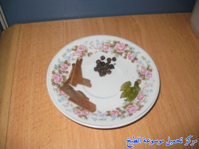http://www.encyclopediacooking.com/upload_recipes_online/uploads/images_sudanese-cooking-recipes-%D9%85%D9%84%D8%A7%D8%AD-%D8%A7%D9%85-%D8%B1%D9%82%D9%8A%D9%82%D8%A9-%D8%A8%D8%A7%D9%84%D8%B5%D9%88%D8%B13.jpg