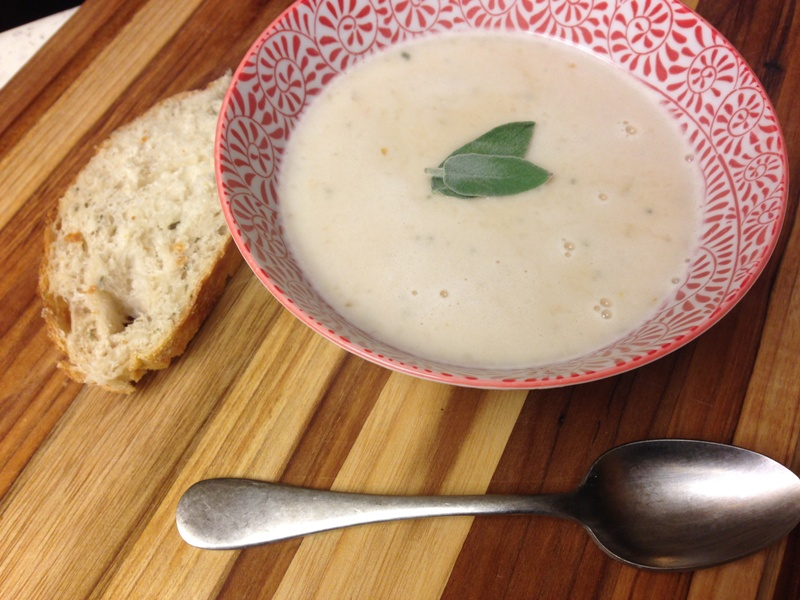 http://www.encyclopediacooking.com/upload_recipes_online/uploads/images_tuscan-white-bean-and-garlic-soup-recipe.jpg