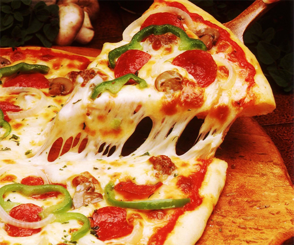 صورة طريقة عمل البيتزا لذيذه سريعه وسهله pictures arabian pizza recipes in arabic food recipe easy