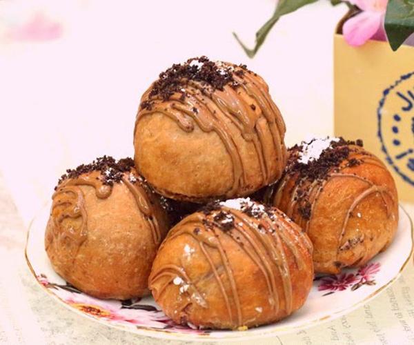 صورة وصفة كيفية طريقة تحضير وعمل وصفات حلويات السينابون - كرات السينابون بالشوكولا سهل وهش وروعة وسريع ولذيذ pictures arabian cinnabon cinnamon rolls recette recipes in arabic easy