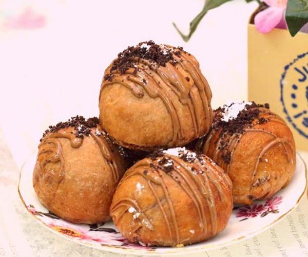 صورة وصفة كيفية طريقة تحضير وعمل حلى منزلي حلى كرات السينابون بالشوكولاتة سهل ولذيذ وسريع pictures arabian homemade desserts recipes candy in arabic sweets easy