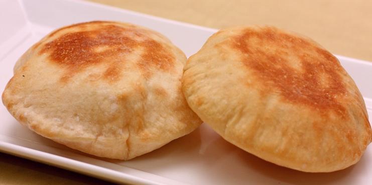 صورة وصفة كيفية طريقة اطباق واكلات عمل الخبز فروحة الامارات بالصور سهله وسريعه ولذيذة