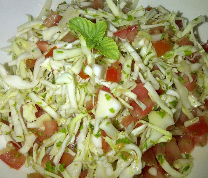 http://www.encyclopediacooking.com/upload_recipes_online/uploads/images_how-to-make-best-easy-homemade-cabbage-tomato-salad-recipe.jpg
