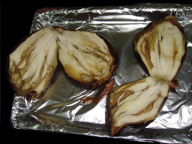 http://www.encyclopediacooking.com/upload_recipes_online/uploads/images_how-to-make-easy-homemade-eggplant-baba-ganoush-salad-recipe5.jpg