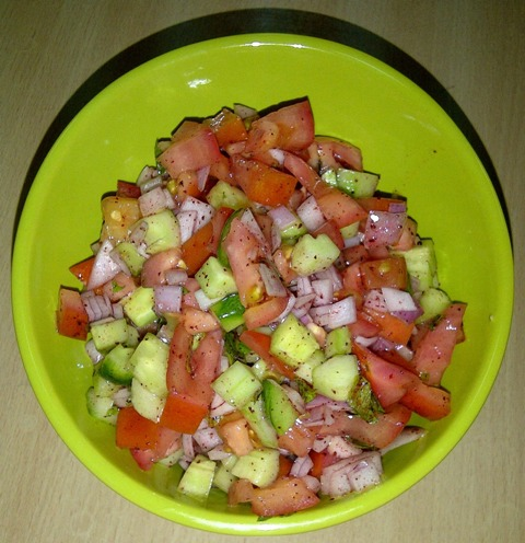 http://www.encyclopediacooking.com/upload_recipes_online/uploads/images_how-to-make-easy-homemade-farmers-salad-recipe4.jpg
