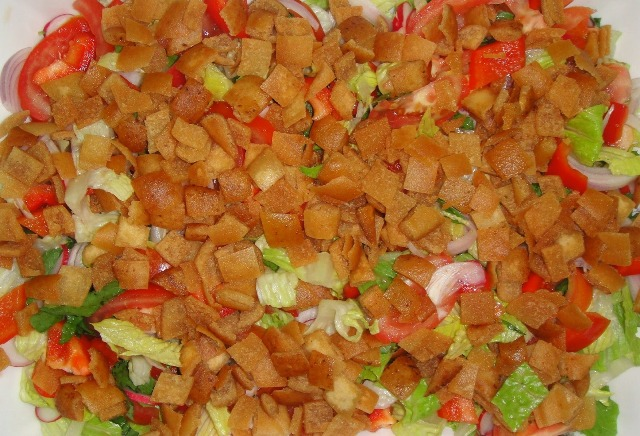 http://www.encyclopediacooking.com/upload_recipes_online/uploads/images_how-to-make-easy-homemade-fattoush-salad-recipe-with-images5.jpg