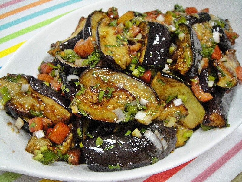 http://www.encyclopediacooking.com/upload_recipes_online/uploads/images_how-to-make-easy-homemade-fried-aubergine-pomegranate-molasses-salad-recipe.jpg