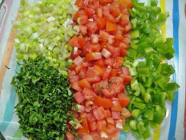 http://www.encyclopediacooking.com/upload_recipes_online/uploads/images_how-to-make-easy-homemade-fried-aubergine-pomegranate-molasses-salad-recipe4.jpg