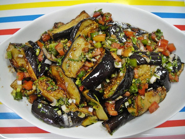 http://www.encyclopediacooking.com/upload_recipes_online/uploads/images_how-to-make-easy-homemade-fried-aubergine-pomegranate-molasses-salad-recipe7.jpg