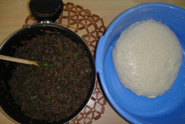 http://www.encyclopediacooking.com/upload_recipes_online/uploads/images_how-to-make-easy-homemade-iraqi-semolina-kibbeh-recipe3.jpg