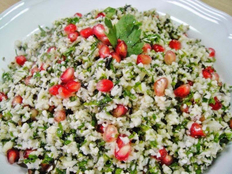 http://www.encyclopediacooking.com/upload_recipes_online/uploads/images_how-to-make-easy-homemade-raw-cauliflower-tabouli-salad-recipe.jpg