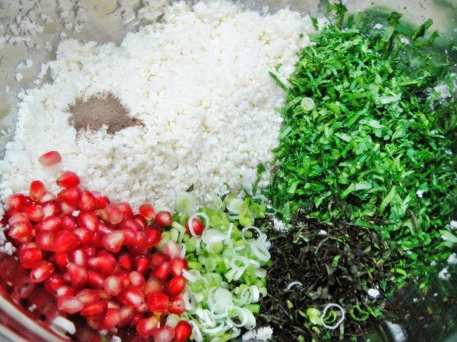 http://www.encyclopediacooking.com/upload_recipes_online/uploads/images_how-to-make-easy-homemade-raw-cauliflower-tabouli-salad-recipe5.jpg