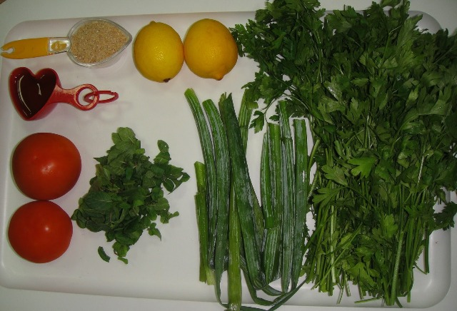 http://www.encyclopediacooking.com/upload_recipes_online/uploads/images_how-to-make-easy-homemade-tabbouleh-salad-recipe2.jpg