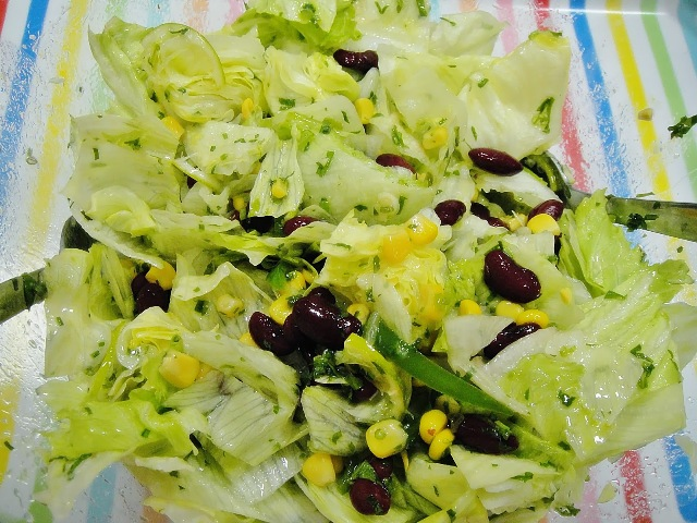 http://www.encyclopediacooking.com/upload_recipes_online/uploads/images_how-to-make-easy-mexican-green-salad-recipe-step-by-step7.jpg